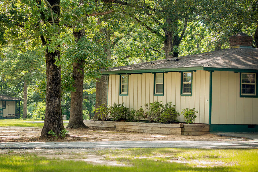 Lake Blackshear Accommodations Cabins
