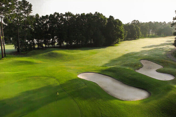 http://www.lakeblackshearresort.com/wp-content/uploads/2014/12/Lake-Blackshear-Activities-Golf-11.jpg