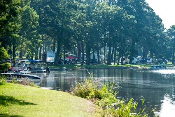 https://www.lakeblackshearresort.com/wp-content/uploads/2014/12/Lake-Blackshear-GA-Veterans-State-Park-Camping-2.png
