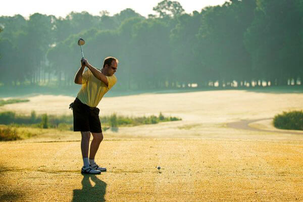 http://www.lakeblackshearresort.com/wp-content/uploads/2014/12/Lake-Blackshear-Packages-Specials-Golf.jpg