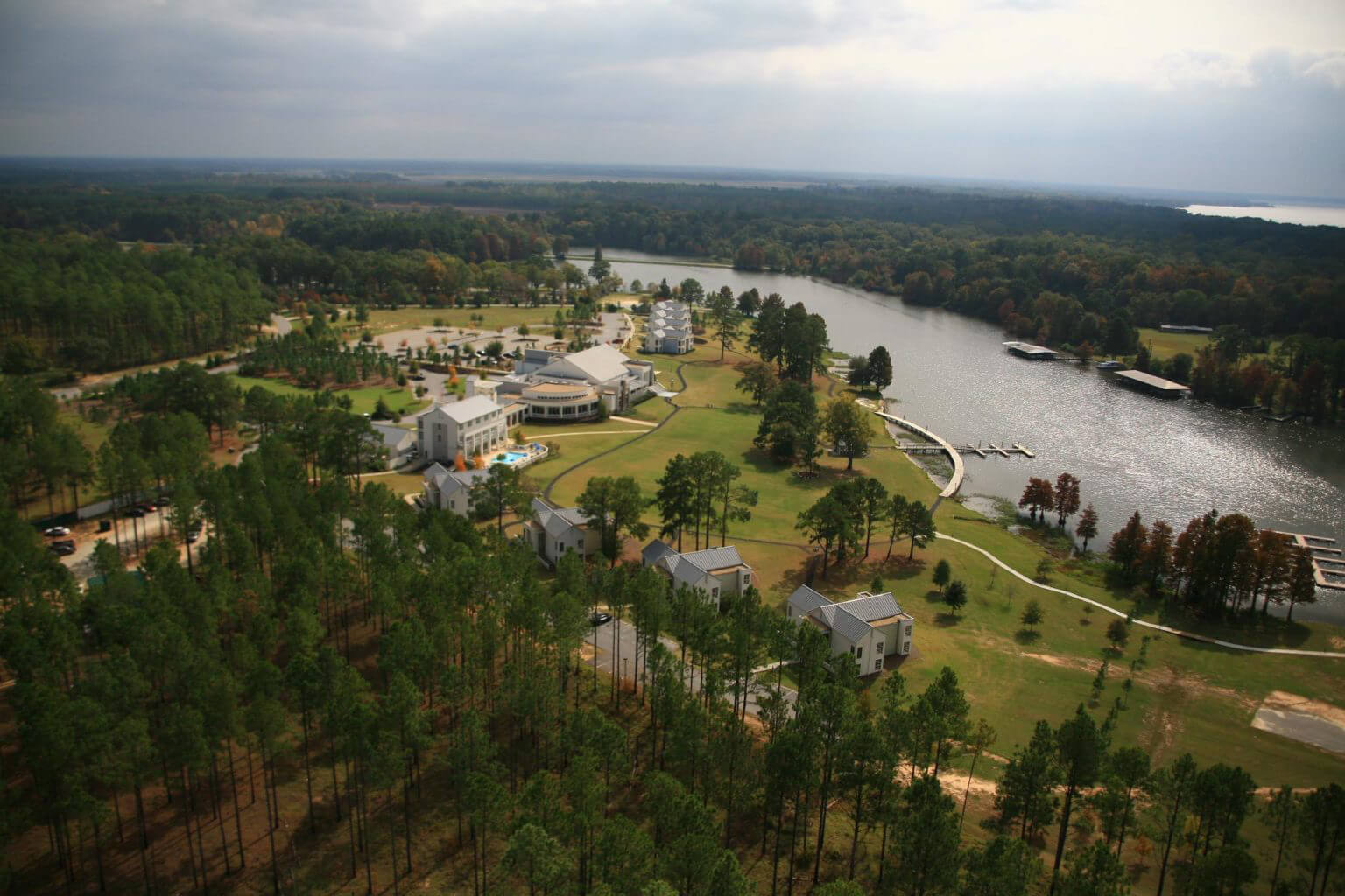 Home | Lake Blackshear Resort & Golf Club - Cordele, GA